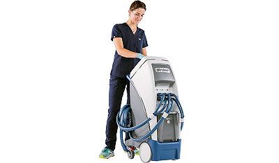 Nurse using the Altrix temperature management system